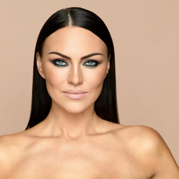 Карандаш для глаз Sexy Smoky Eye Pencil EMERALD — Romanova make up Уход за лицом Фотография