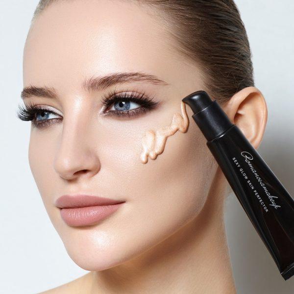 Кремовый хайлайтер Sexy Glow Skin Perfector — Romanova make up Уход за лицом Фотография